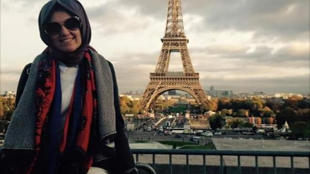AKP'li eski vekilin işe gitmeden maaş alan kızı Paris'te geziyor