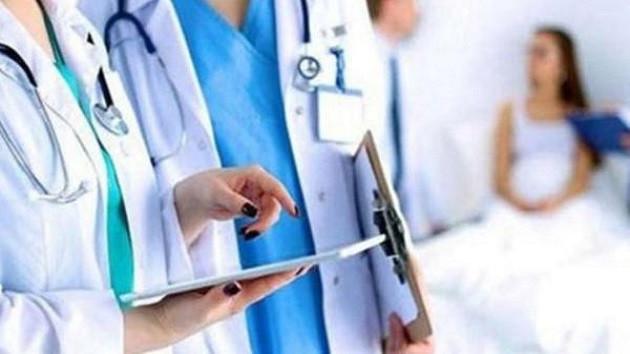 Kriz sağlık çalışanlarını da vurdu: Yemek bile yok