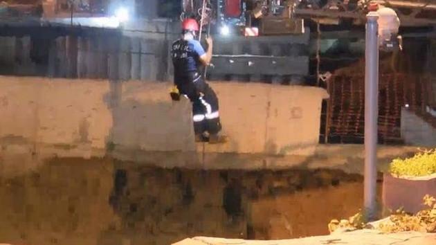 Son dakika: Ümraniye'de yol çöktü: Bir kişinin cesedine ulaşıldı