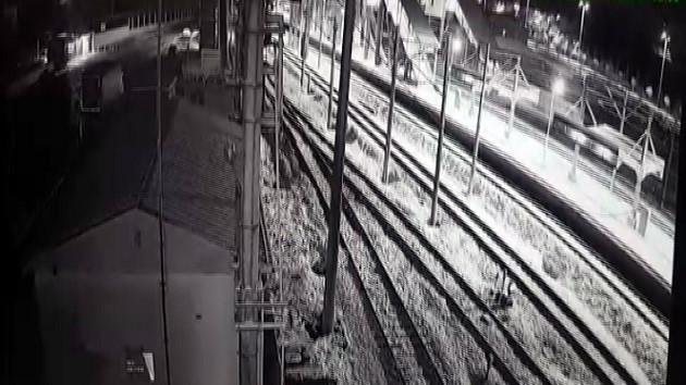İşte Ankara'daki hızlı trenin çarpışma anı!