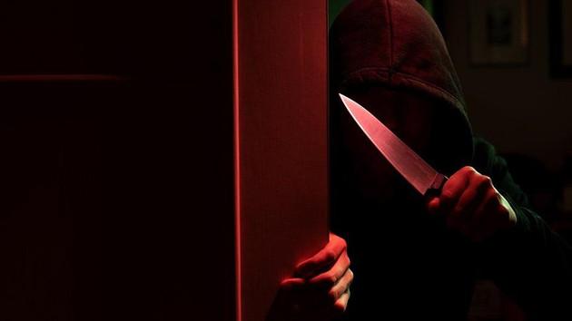 15 yaşındaki çocuk kan dondurdu! Emekli öğretmeni bıçakla...