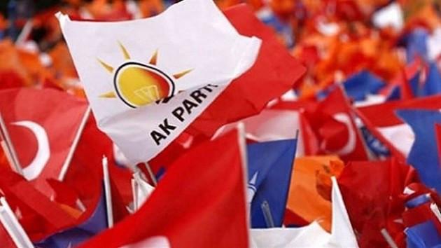 Canlı yayında AK Parti adaylarını isim isim açıkladı