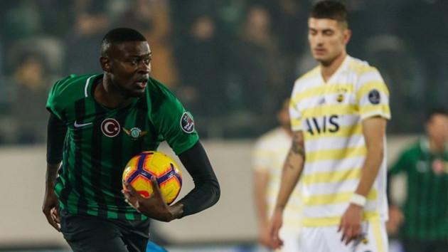 Maç sonucu Akhisar 3-0 FB: Taraftar isyanda, Fenerbahçe küme hattında!