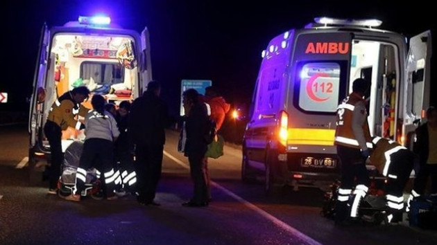 Hatay'da minibüs askeri araca çarptı: Ölü ve yaralılar var