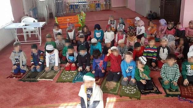 Türkiye'de 1 milyon çocuk tarikatların elinde