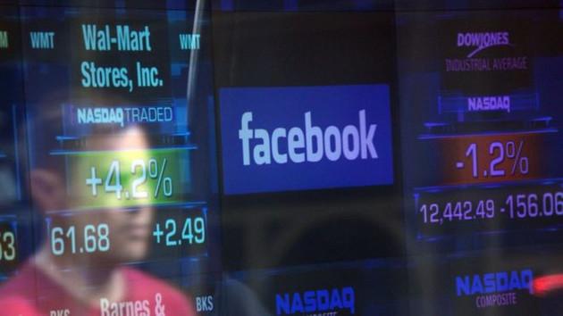 Facebook bir gecede 30 Milyar Dolar zarar etti