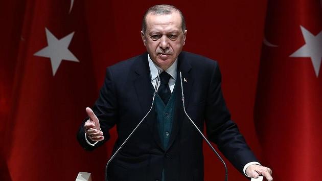 Erdoğan: Diktatör görmek isteyen, 15 vekiline zorla parti değiştirtenlere baksın!