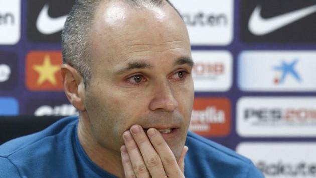 Andrés Iniesta gözyaşlarıyla Barcelona'ya veda etti!