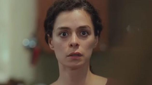 Kadın 30. bölüm fragmanında Sarp'ın annesi Bahar'ın evinde!