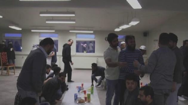 İzlandalı Müslümanlara 22 saat oruç uzun geldi, iftarı 4 saat erkene aldılar