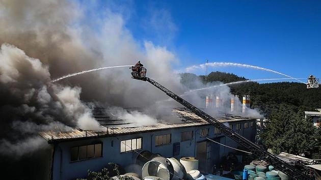İstanbul'da korkutan yangın! Dumanlar birçok ilçeden görüldü