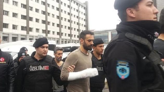 Oyuncu Adnan Koç ve kardeşleri hakim karşısına çıktı