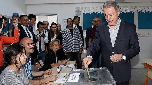 Genelkurmay Başkanı Hulusi Akar'ın oy kullandığı sandıktan Muharrem İnce çıktı