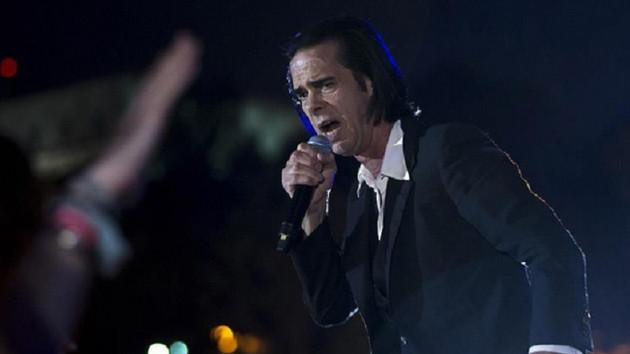Nick Cave 17 yıl sonra İstanbul'da hayranlarıyla buluştu