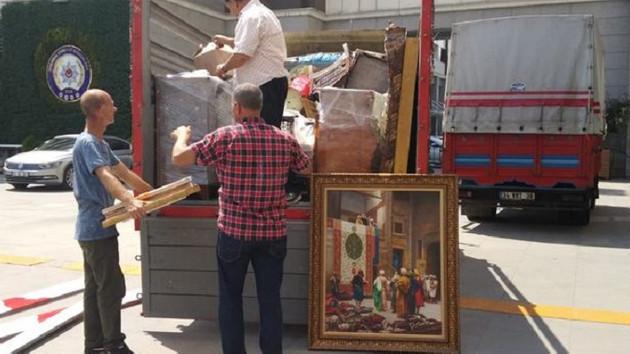 Adnan Oktar'ın evinden silahlar ve tarihi eserler çıktı