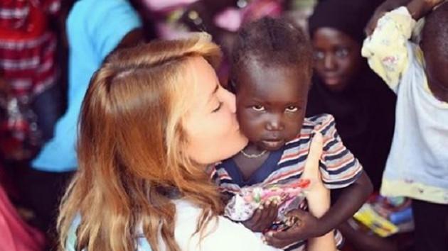 Gamze Özçelik Afrika'da Umut Köyleri kuruyor