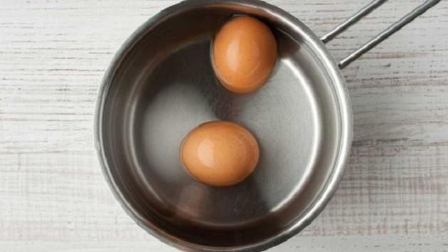 Kaynamış yumurta eski haline nasıl döner?