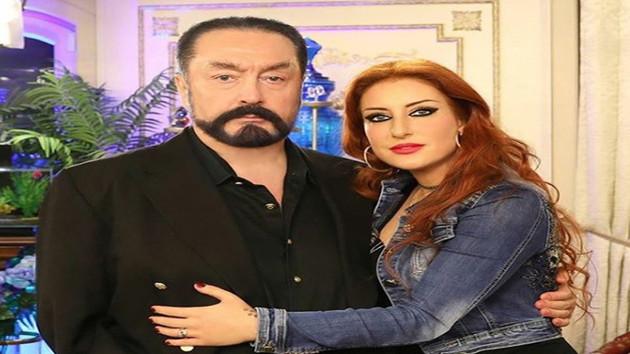 Flaş: Şener Şen'in yeğeni Aslı Süme Efeoğlu gözaltına alındı