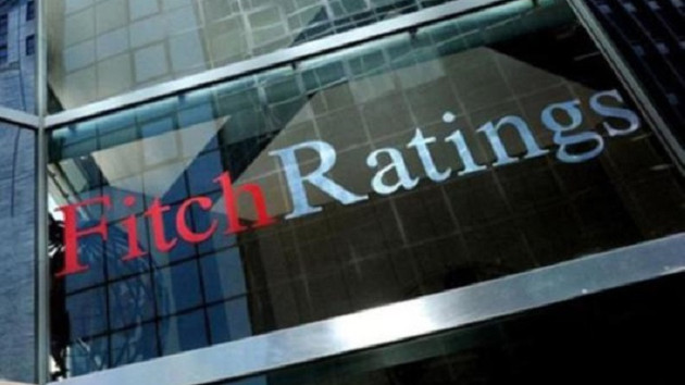 Fitch'ten 24 Türk bankasına negatif not