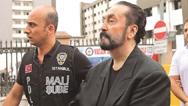 Adnan Oktar'ı 1999'da savunan bakan AKP'li Faruk Çelik çıktı