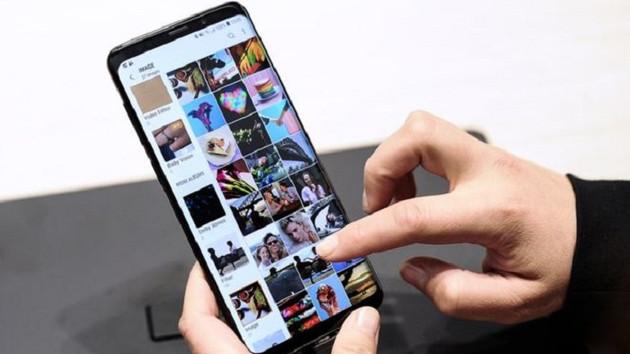 Samsung S8 ve S9 telefonlar rehberdekilere rastgele fotoğraf gönderiyor
