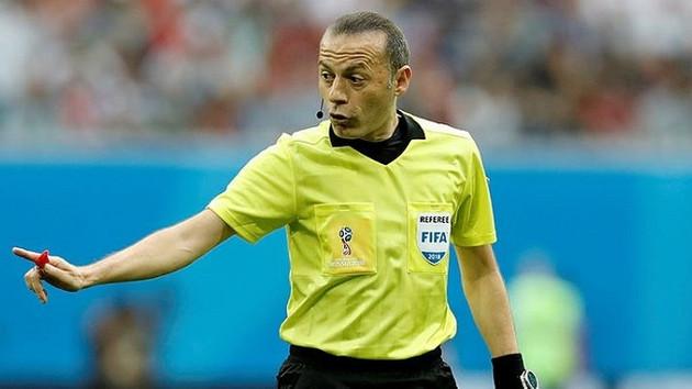 Son dakika: Dünya Kupası'nda Cüneyt Çakır'a dev görev!