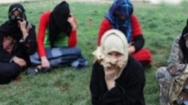 Sığınmacı kadınlar ekmek için fuhuşa zorlanıyor