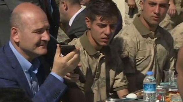 Cumhurbaşkanı Erdoğan Kato Dağı'ndaki askerlere moral verdi