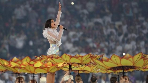 Antalya'da konser verecek olan Dua Lipa'dan döner ve ayran talebi