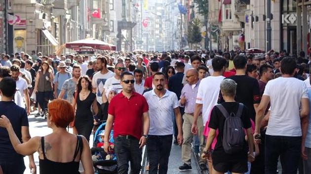 Türkiye'yi bırakıp gidenlerin sayısı yüzde 42,5 arttı
