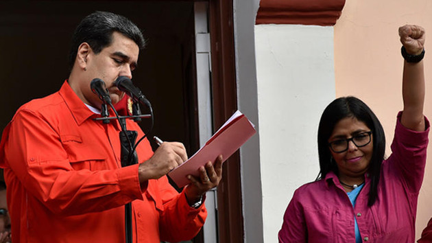 Erdoğan'dan Maduro'ya destek telefonu