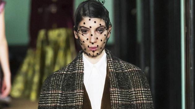 Öykü Baştaş moda haftalarının vazgeçilmez ismi oldu