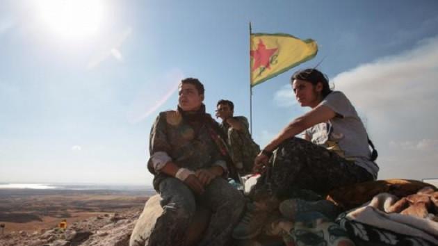 Times: Türkiye'nin işgalinden korkan Kürtler Esad'a yöneldi