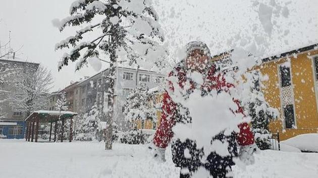 Son dakika: Kar yağışı nedeniyle 18 ilde okullar tatil edildi