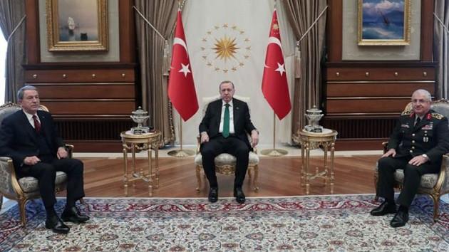 Cumhurbaşkanı Erdoğan, Hulusi Akar ve Yaşar Güler ile görüştü