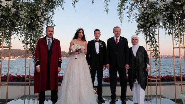 Mesut Özil'den Erdoğan, transfer ve ırkçılıkla ilgili flaş açıklama