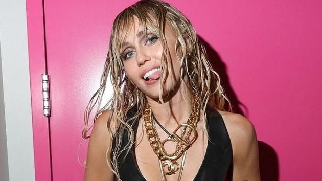 Miley Cyrus Gigi Hadid'in eski sevgilisini kaptı!