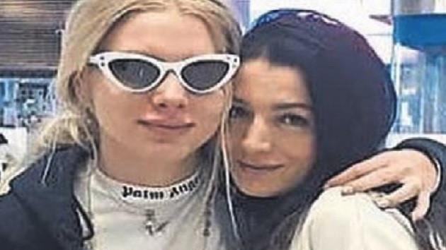 Aleyna Tilki fotoğrafta annesinden daha yaşlı görününce..