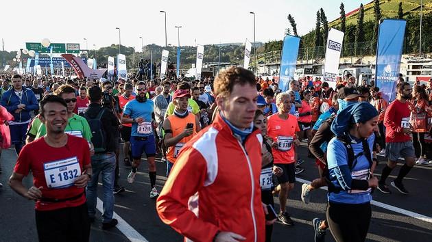 Kıtalararası maraton: Binlerce İstanbullu koşuya katıldı