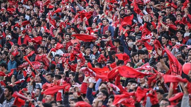 İran'da 80 bin taraftardan stadyumda Türkiye sloganları