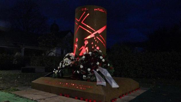 Almanya'da büyük skandal! Sözde Ermeni soykırımı anıtı diktiler