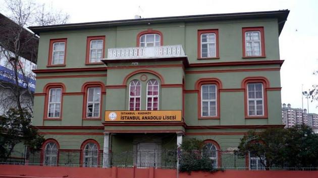 İstanbul Anadolu Lisesi'nden Fenerbahçe'ye tepki: 120 yıllık okula kıymayın