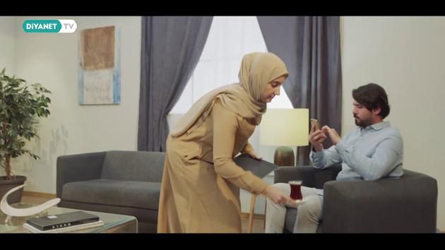 Diyanet'ten telefona değil eşinin yüzüne bak videosu