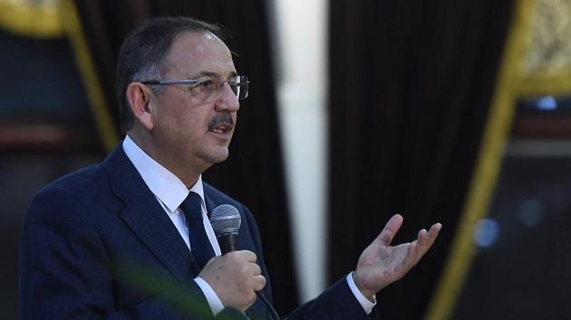 Mehmet Özhaseki neden parti logosu kullanmıyor?