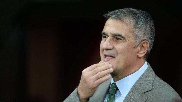 Türkiye Futbol Federasyonu Milli Takım'ın başına Şenol Güneş'i getirdi
