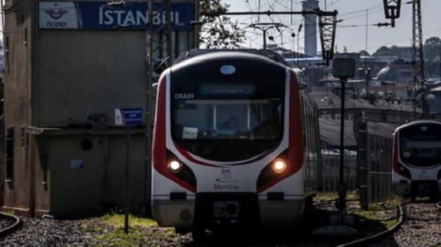Marmaray'da faciaya davetiye! Tren ekrandan kayboluyor