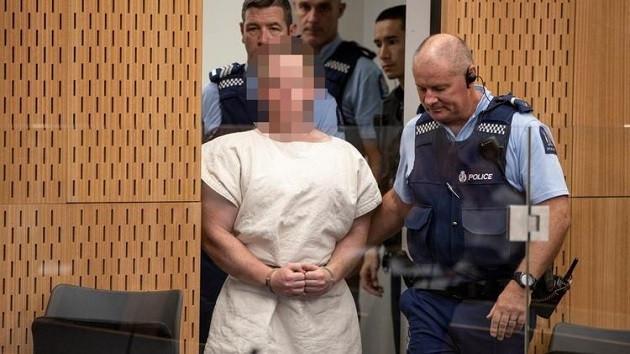 Terörist Tarrant duruşmada white power işareti yaptı