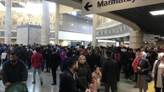 Marmaray'da teknik arıza: Seferler aksadı