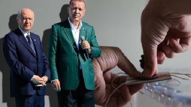 İttifak kuran AKP oylarında düşüş, MHP oylarında ise yükseliş olduğu kaydediliyor