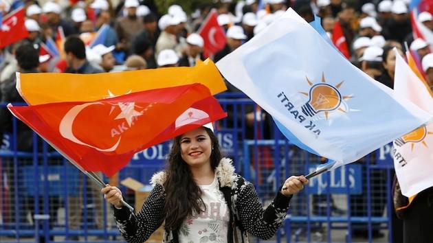 Akit yazarı Dilipak'tan Erdoğan'ı kızdıracak analiz: Genç AKP'liler rahatsız!